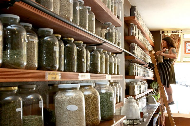 Anna's Apothecary in Manitou Springs, CO | humanitou.com